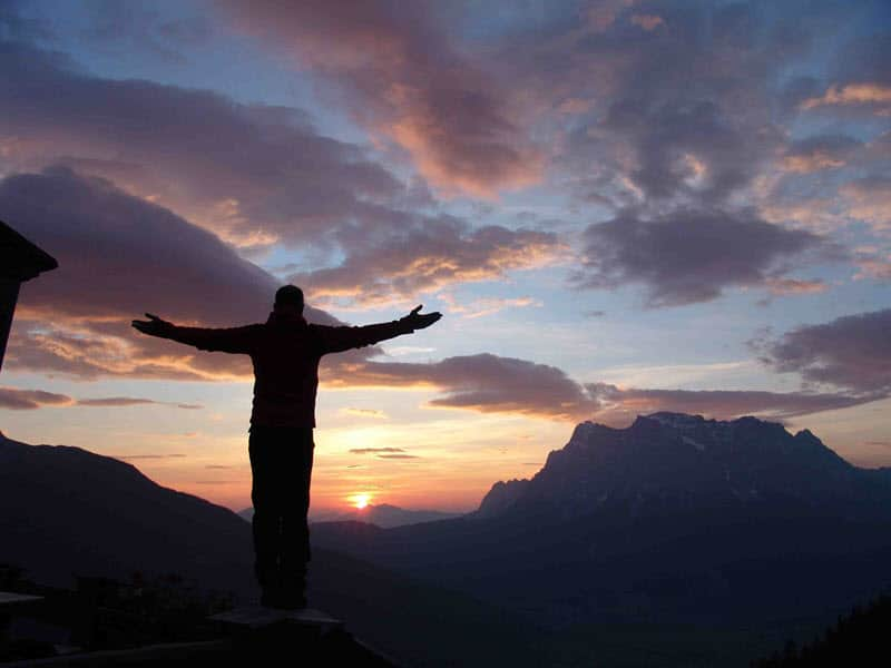 Sonnenaufgang über den bayrischen Alpen